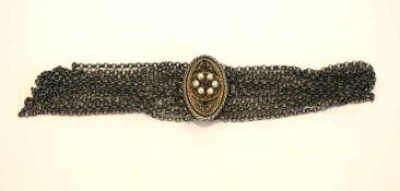 Silber Trachten-Kropfkette, 8-reihig mit ovaler Schließe, teils vergoldet mit Perlen und Granaten