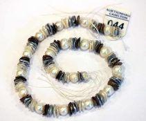 Perlenstrang aus verschiedenen Perlen, L 42 cm