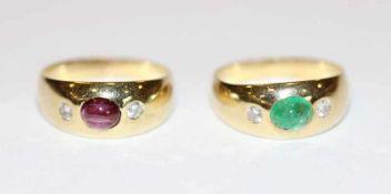 2 x 14 k Gelbgold Bandring mit Smaragd, Rubin und Diamanten, zus. 5,5 gr., Gr. 46