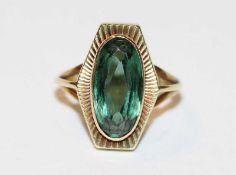14 k Gelbgold Ring mit grünem Spinell ?, 3,8 gr., Gr. 50