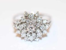 14 k Weißgold Ring mit Diamanten, zus. ca. 1 ct., Gr. 52, klassische Handarbeit