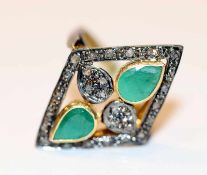 Silber/vergoldeter Ring mit 2 Smaragden und Diamanten, Gr. 60, schöne Handarbeit