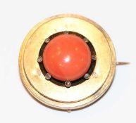 14 k Gelbgold (geprüft) Medaillon-Brosche/Anhänger mit Koralle, rückseitig für rundes Foto, 15,6