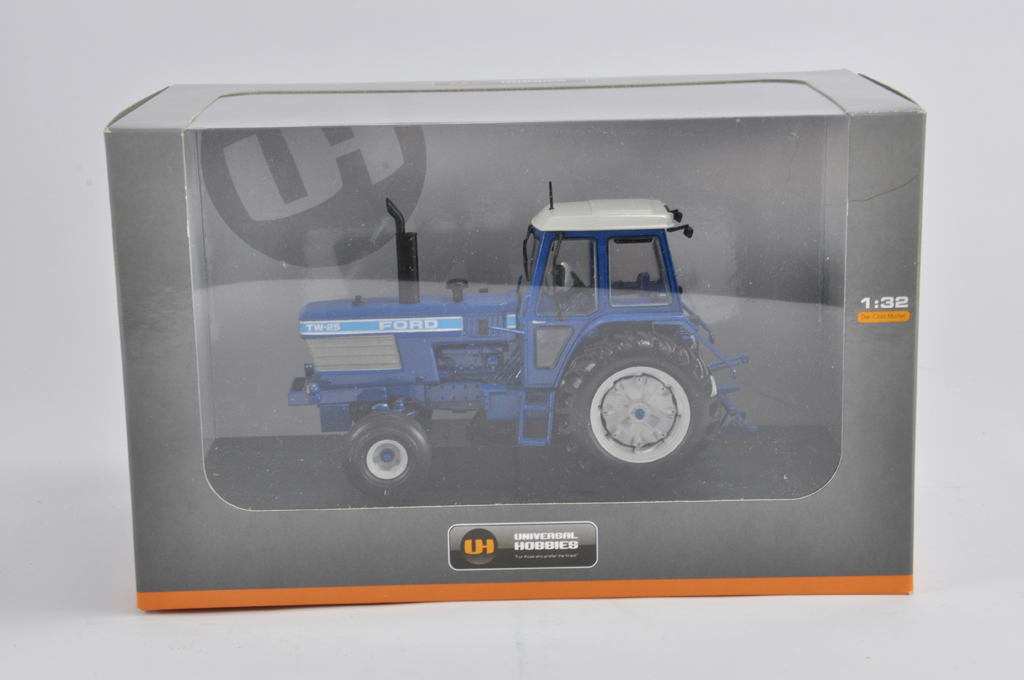 Lot 11 - Universal Hobbies 1/32 Ford TW25 Tractor. 2WD. M in E Box.