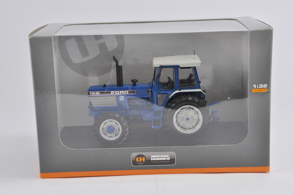 Lot 9 - Universal Hobbies 1/32 Ford TW25 Tractor. Gen II. M in E Box.