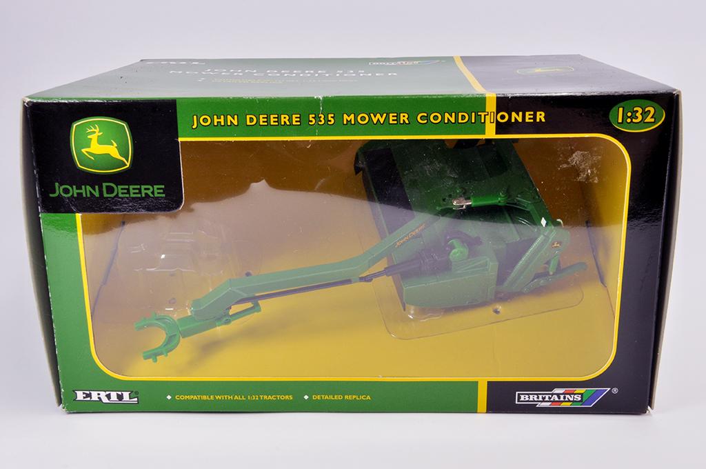 Lot 6 - Britains 1/32 John Deere 535 Mower Conditioner. M in E Box.