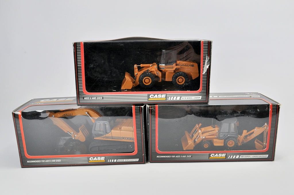 Lot 1 - Ertl Trio of 1/50 Diecast Construction Models comprising Case IH Backhoe, Wheel Loader and