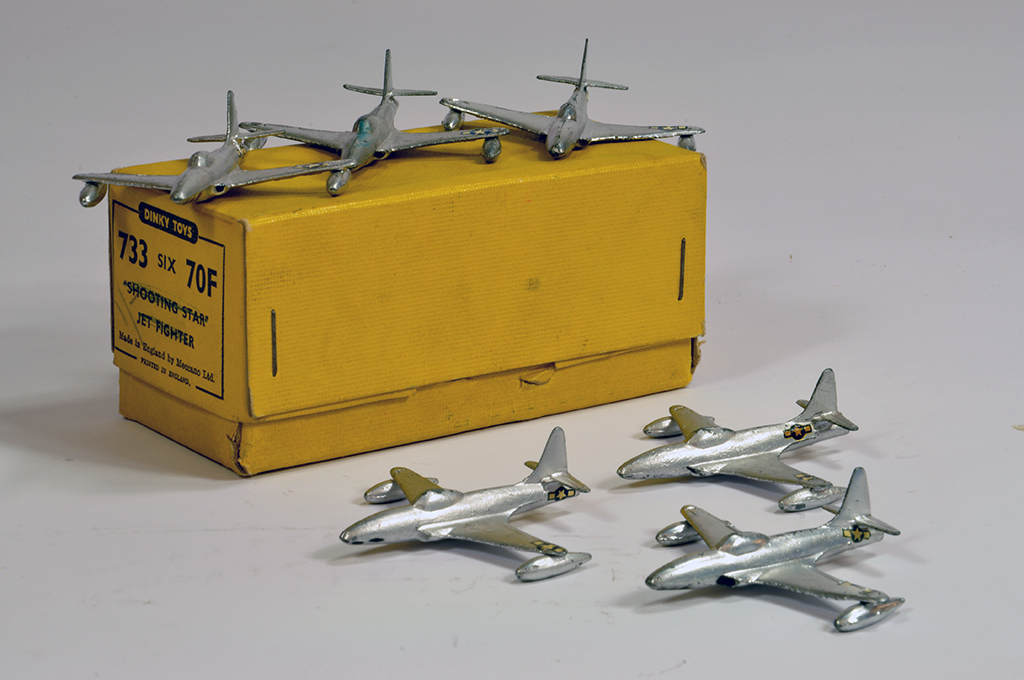 Lot 19 - Dinky No. 733/70F Shooting Star trade box with 6 examples. Generally E to NM in VG to E Box.