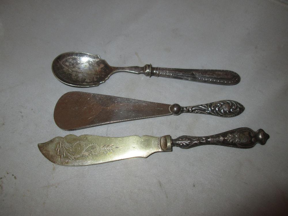Lot 30 - 2 x Silver handled shoe horn, knife & fork,