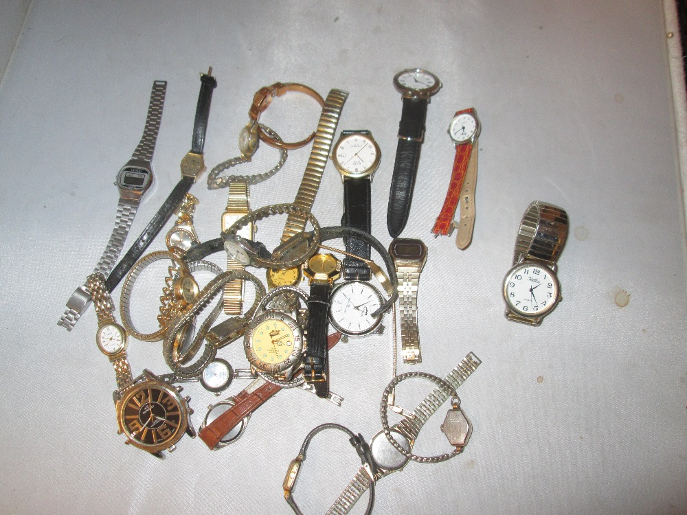 Lot 14 - Bag of assorted wristwatches : Hinds, Slazenger, Braddon,, Reflex, Avia, Sekonda, Winegartens,