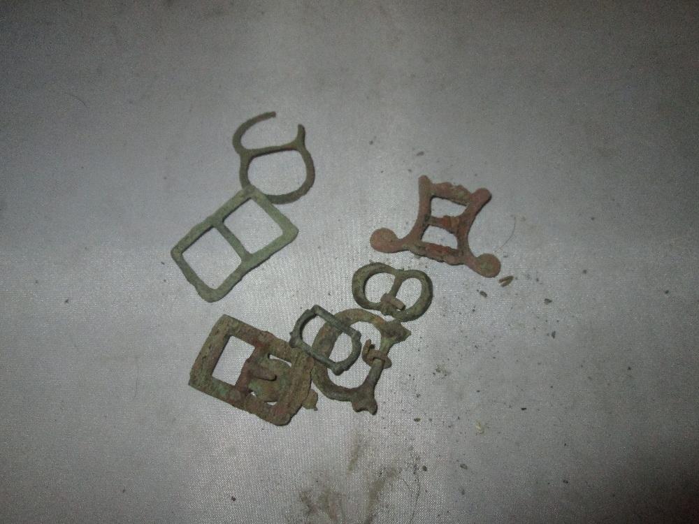 Lot 12 - Assorted detectorist finds : buckles