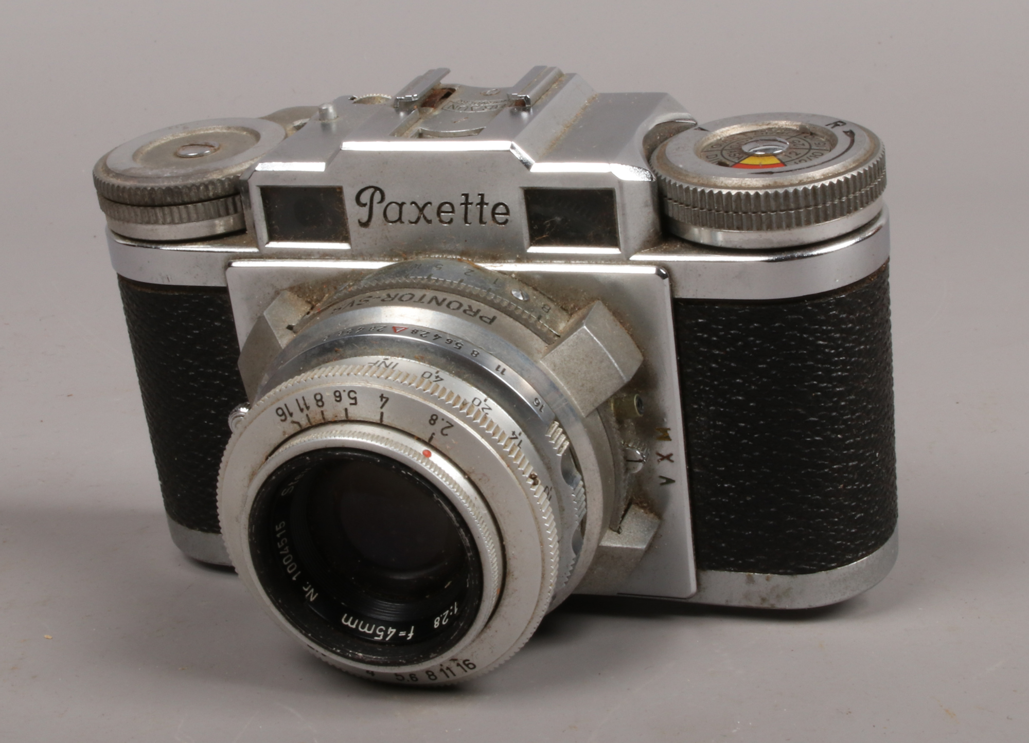 Lot 31 - A Braun Paxette Prontor - SVS range finder camera in manufacturers case made in Germany.Condition