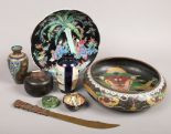 Lot 60 - A group lot to include cloisonne bowl and vase, lacquered box, Japanese decorated pin dish (damaged)