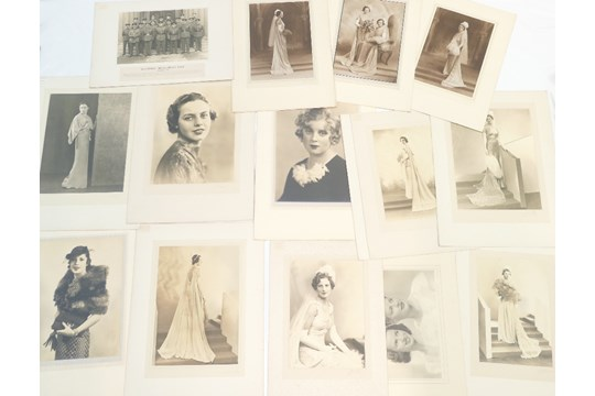 Lot 26 - Large group of THIRTY named and unnamed LAFAYETTE photographs - ladies and gentlemen including -