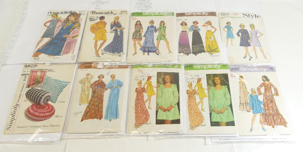 Lot 40 - Vintage Dress Making Patterns 1970's x 22 - Simplicity, Butterick,