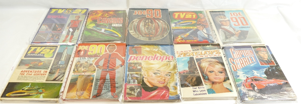 Lot 43 - Sixteen annuals including - Thunderbirds x 3, Lady Penelope x 2, TV21 x 5, Captain Scarlet,