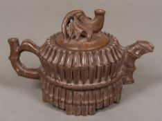 A Chinese carved hardstone teapot Modelled as bamboo. 12 cm high.