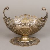A George V silver centre bowl, hallmarked London 1912,