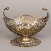 A George V silver centre bowl, hallmarke
