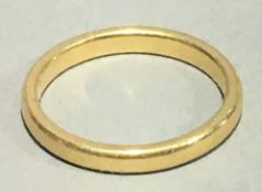 A 22 ct gold wedding band