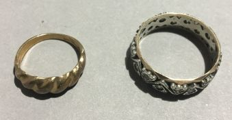 A 9 ct gold and silver ring,