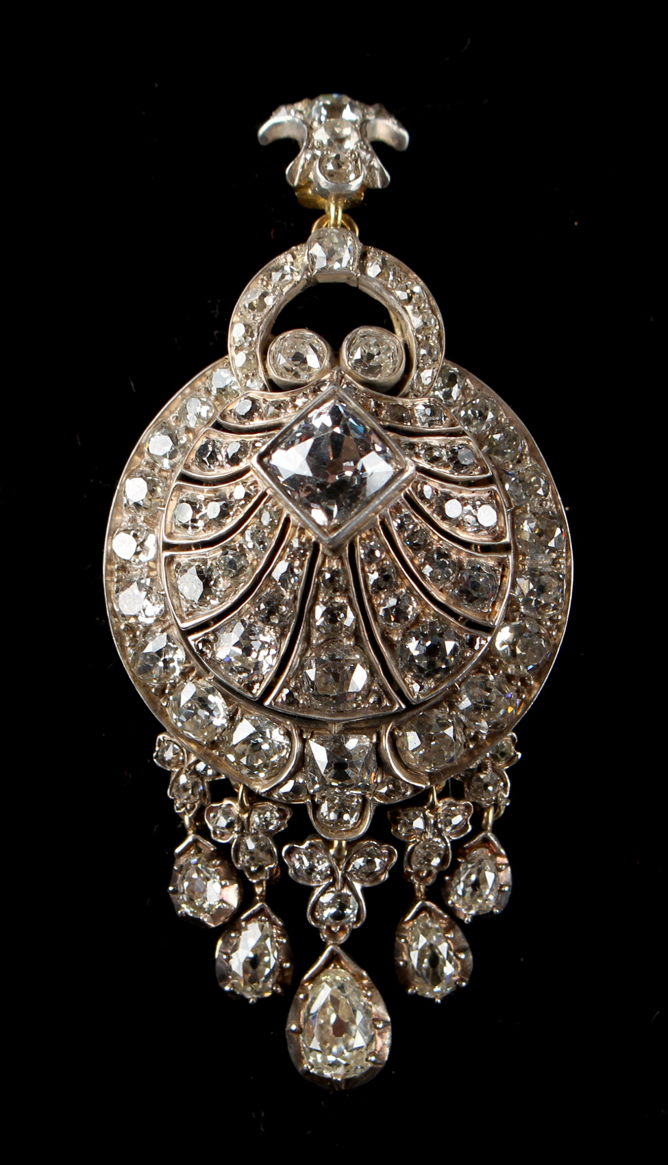 Lot 248 - A very good Georgian diamond tasselled pendant or brooch, the estimated total diamond weight 13.0