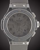 A GENTLEMAN'S BLACK CERAMIC HUBLOT BIG BANG CHRONOGRAPH WRIST WATCH CIRCA 2010, LIMITED EDITION OF