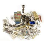 λ A mixed lot, comprising silver items: a pair of Victorian tablespoons, London 1893, a Norwegian