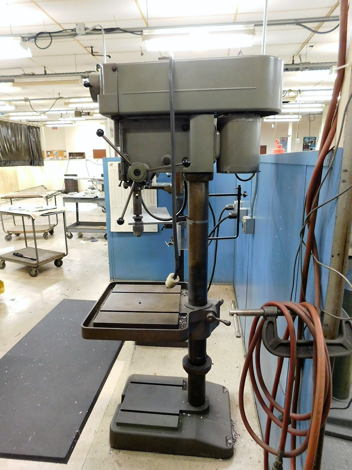 """Lot 28 - CLAUSING 20"""" VARIABLE SPEED DRILL PRESS, MODEL 2276, S/N 521892, FLOOR STAND, SPEED CHUCK"""