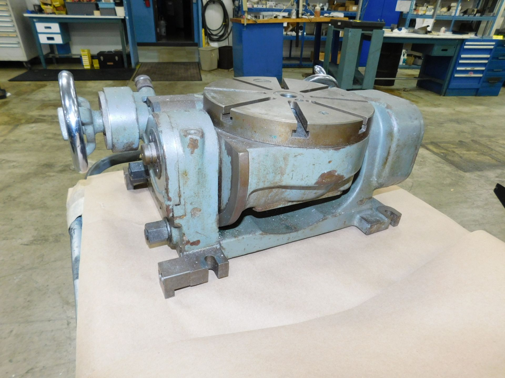 """Lot 34 - MITSUI SEIKI TYPE TTD 9"""" TILTING ROTARY TABLE, S/N 401"""