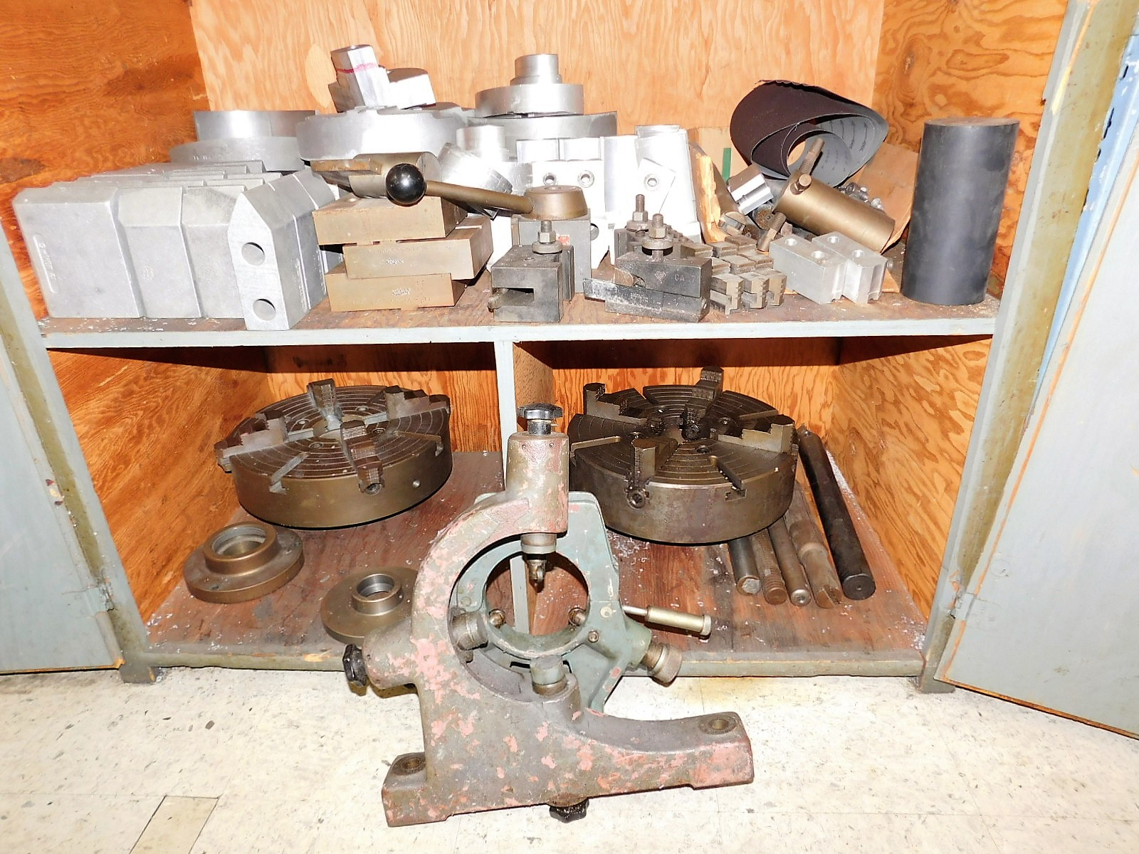 Lot 12 - TARNOW LATHE, MODEL TUJ, 48 X 2500, S/N 3725, TAILSTOCK, STEADY REST, (2) EXTRA CHUCKS AND TOOLING