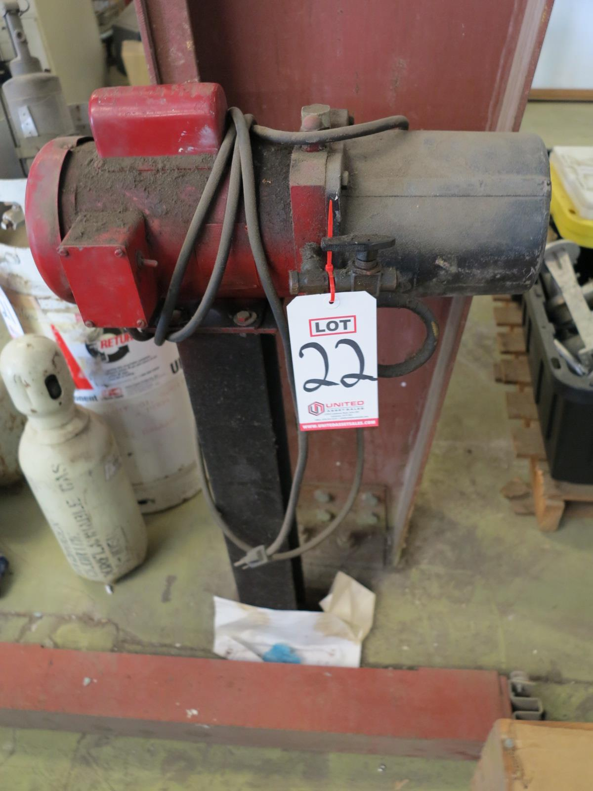 Lot 22 - ELECTRIC PUMP