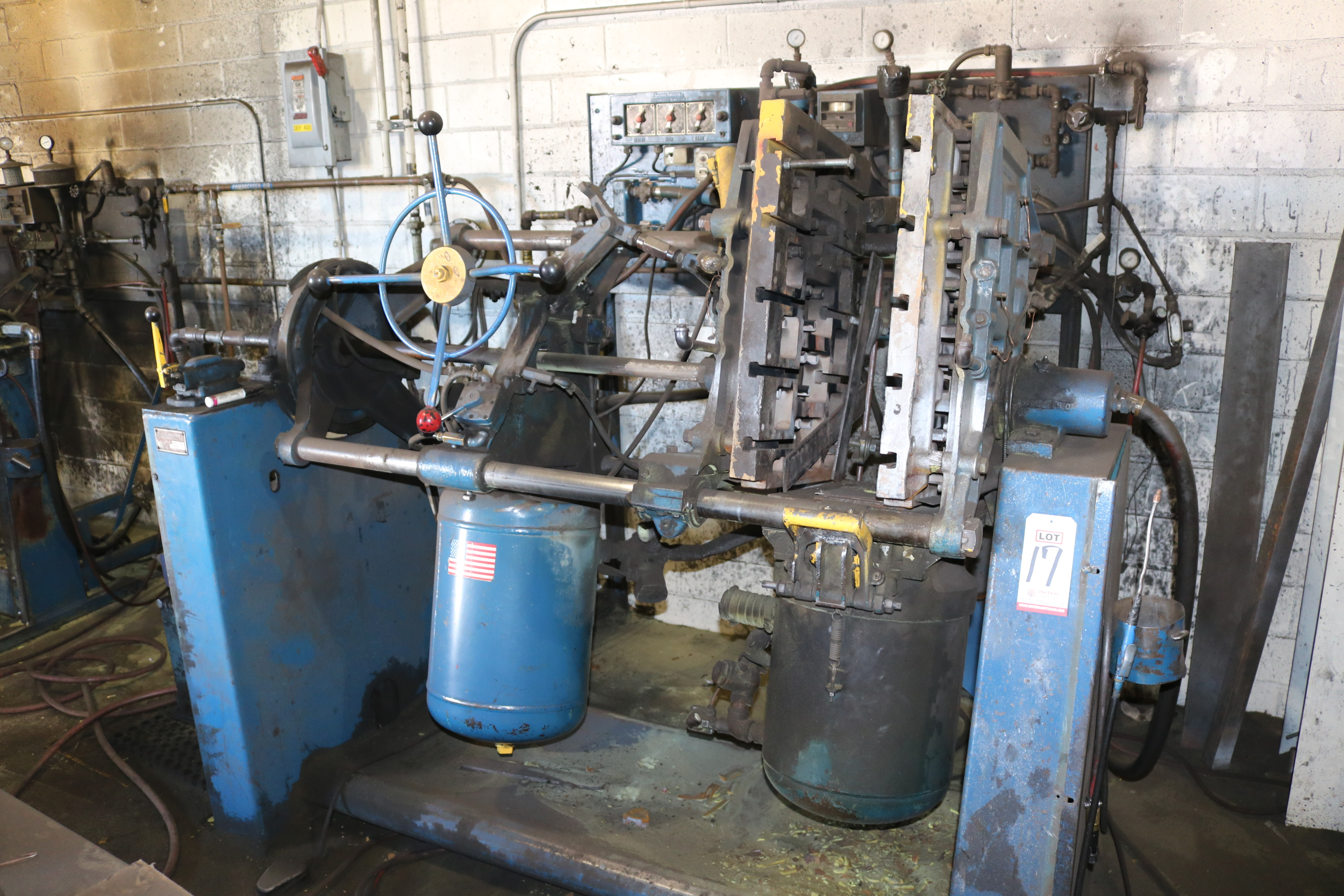 Lot 17 - DEPENDABLE MODEL 400SA SEMI-AUTOMATIC SHELL CORE MACHINE, GAS PANEL AND HYDRAULIC SYSTEM, S/N 305