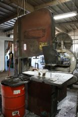 "Lot 5 - DOALL MODEL ZV-3620 36"" VERTICAL BAND SAW, S/N 31-677442"