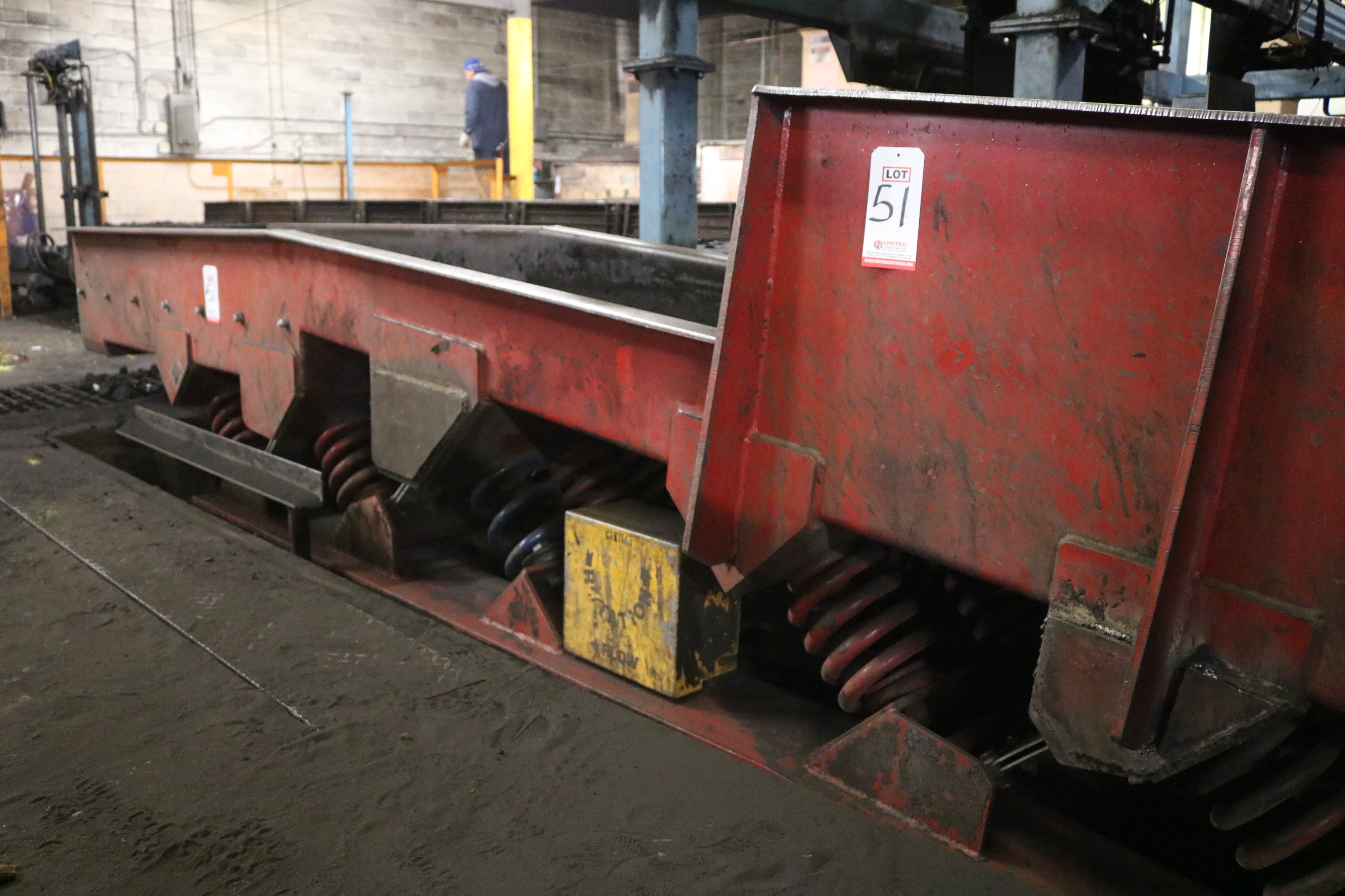"Lot 51 - CONVEYOR DYNAMICS 30"" X 15' INCLINE DISCHARGE CONVEYOR, SCREEN AND DRIVE"