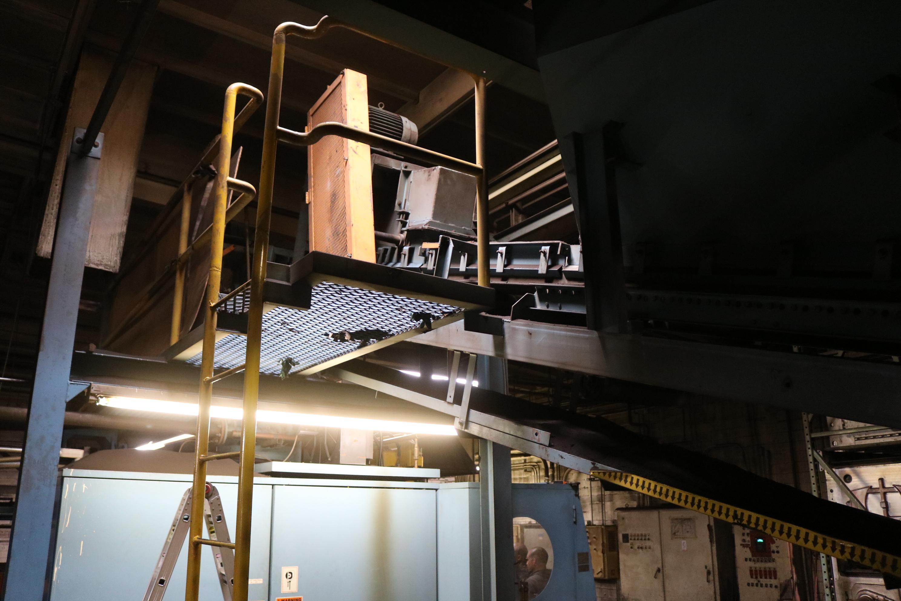 "Lot 50 - 2001 DISAMATIC MODEL DISAMATCH 130 AUTOMATIC MOLDING MACHINE, FEED 24"" X 20"" FLASKS, BELT CONVEYOR"