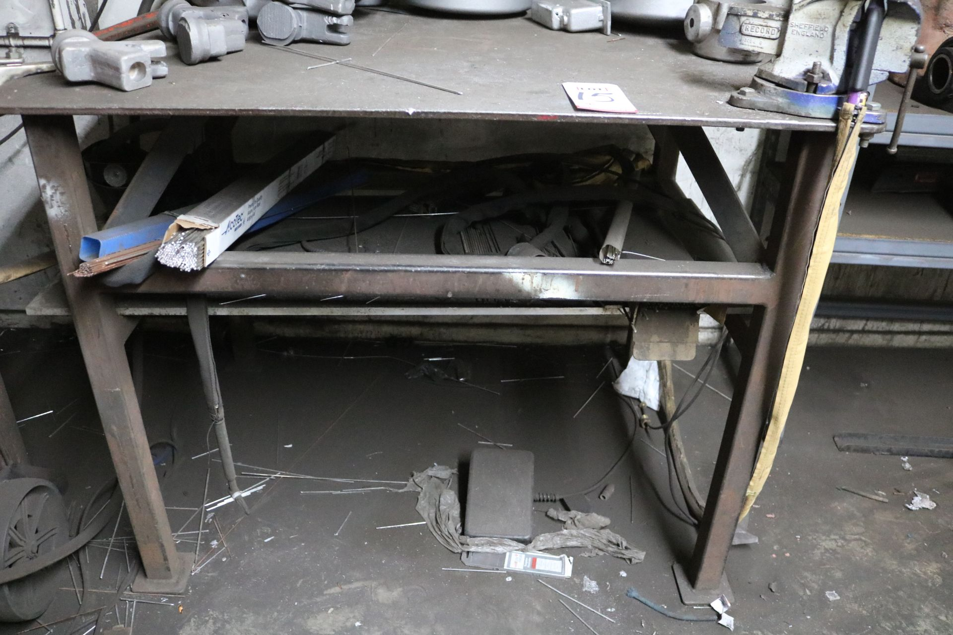 """Lot 15 - 4' X 3' STEEL TABLE W/ 4"""" VISE"""