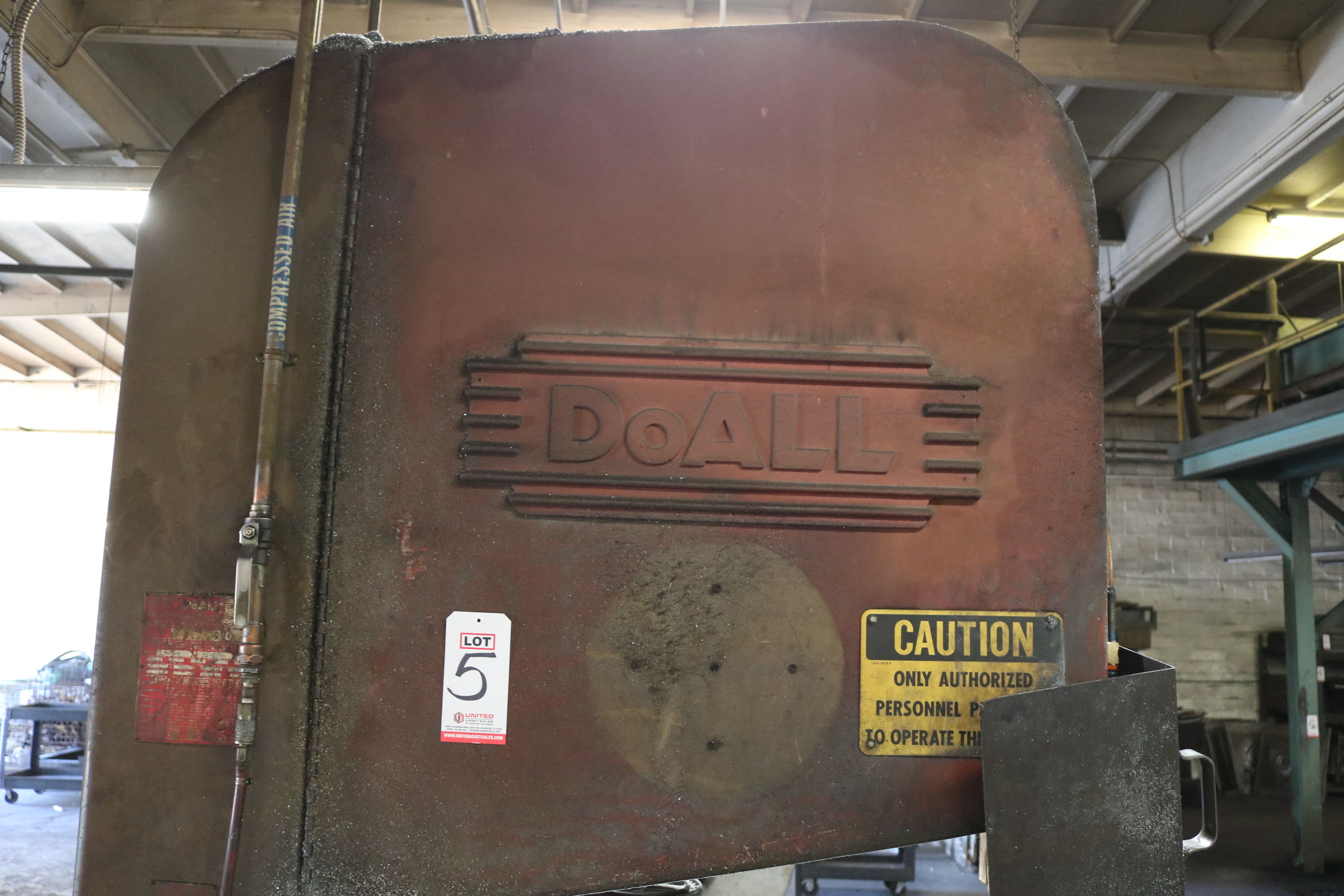 "Lot 5 - DOALL MODEL ZV-3620 36"" VERTICAL BAND SAW, S/N 31-677442"