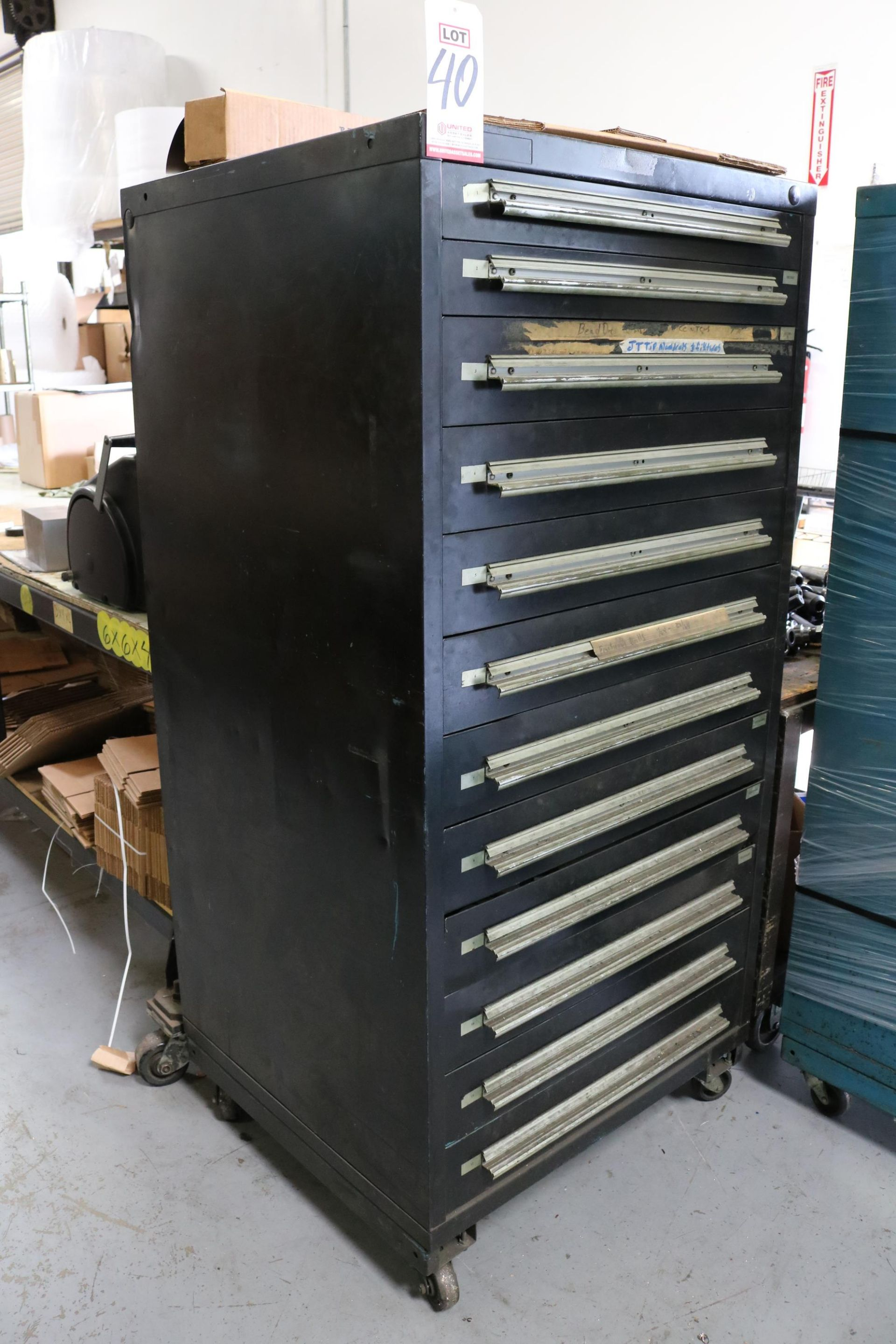 Lot 40 - 12-DRAWER PORTABLE CABINET