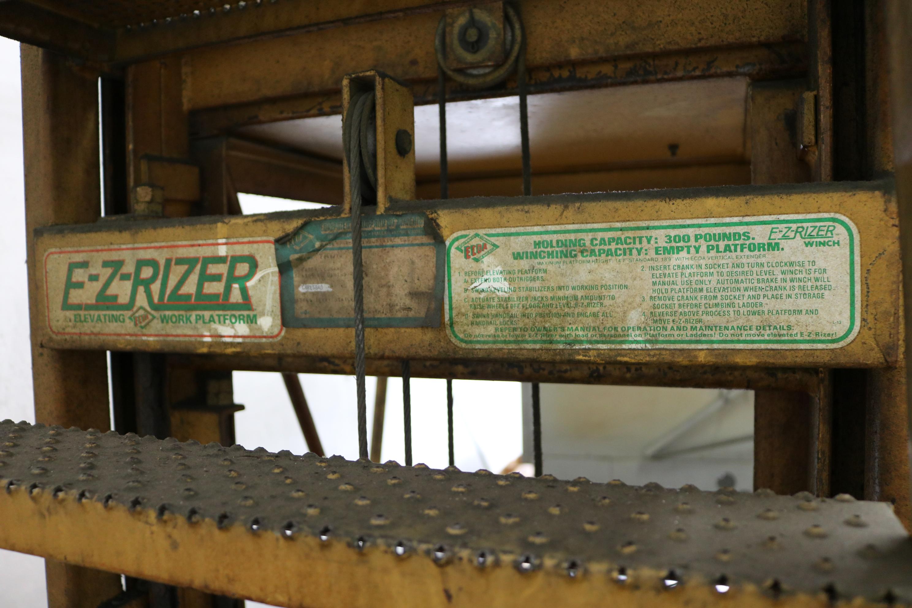 Lot 35 - E-Z RIZER ELEVATING WORK PLATFORM, PORTABLE