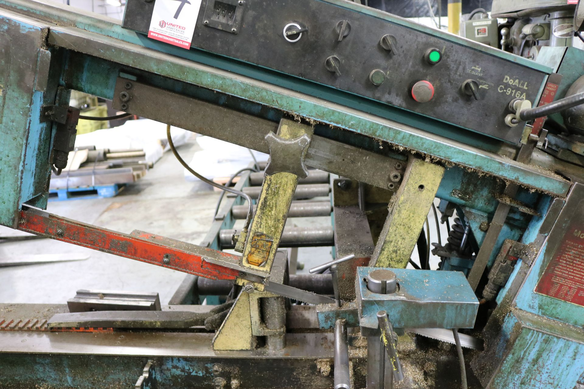 """Lot 4 - DOALL HORIZONTAL BAND SAW, MODEL C916A, 9"""" X 16"""" CAPACITY, X/N 502-93221, W/ OUT FEED CONVEYOR"""