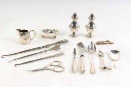 Divers zilver en verzilverd gebruiksgoed.