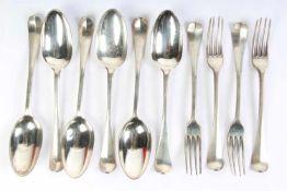 Zes zilveren lepels en vier dito vorken, Roelof Helweg (1778-1812)Amsterdam. Gewicht: 600.6 g.