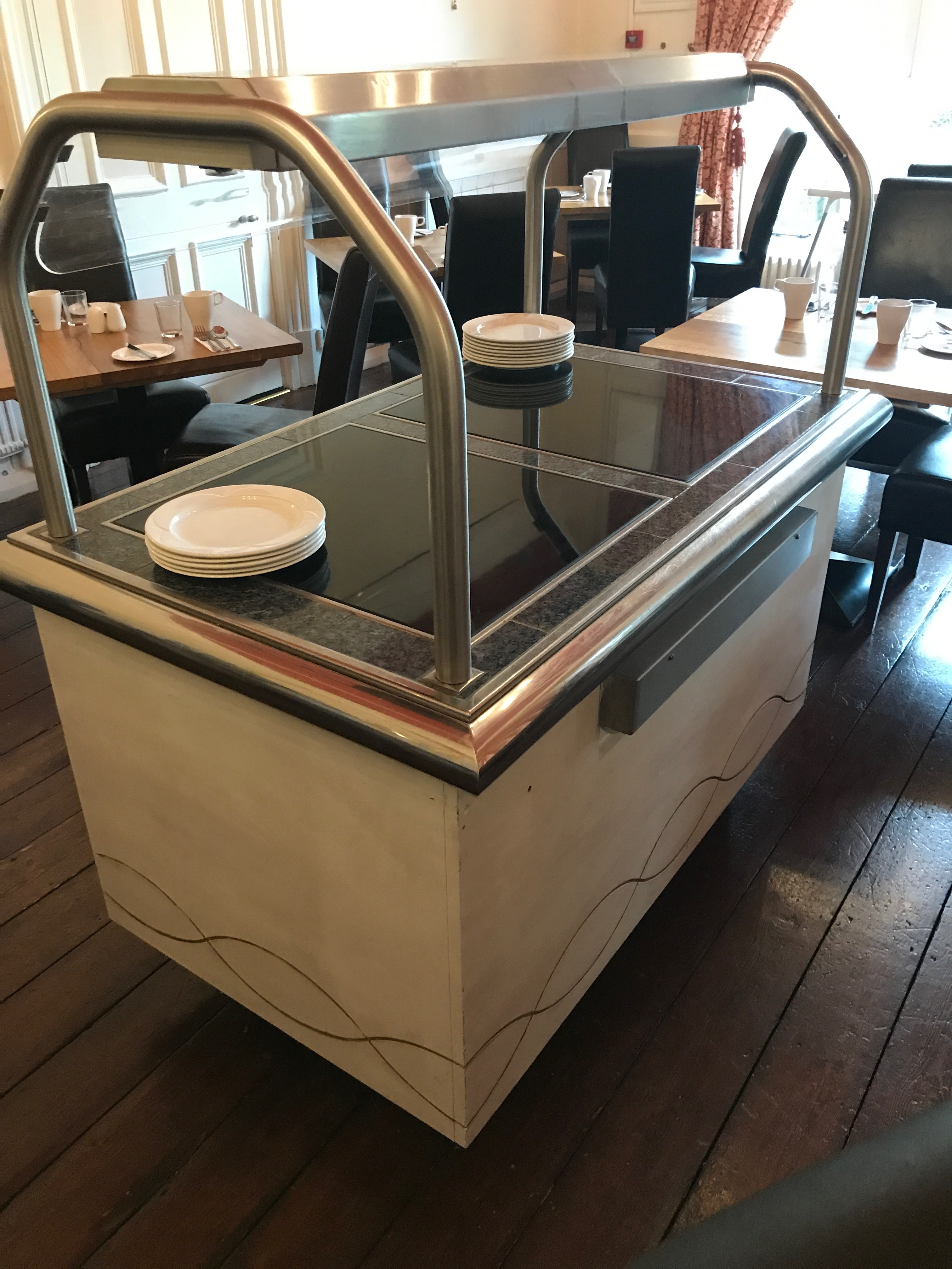 Serving Unit With Hot Plate Warming Cupboards And Heat