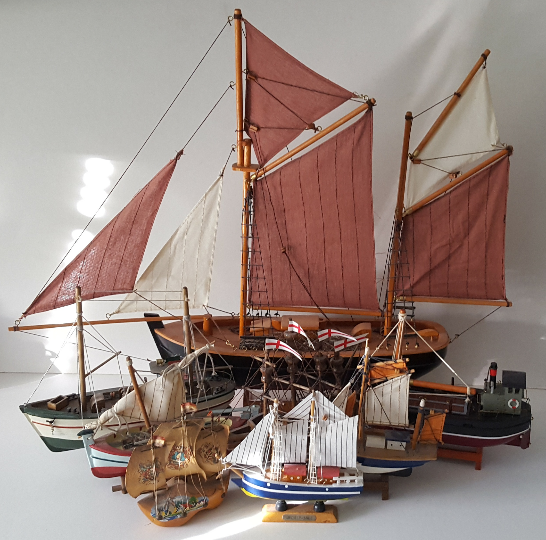 Lot 28 - Vintage Retro Collection of 8 Model Ships