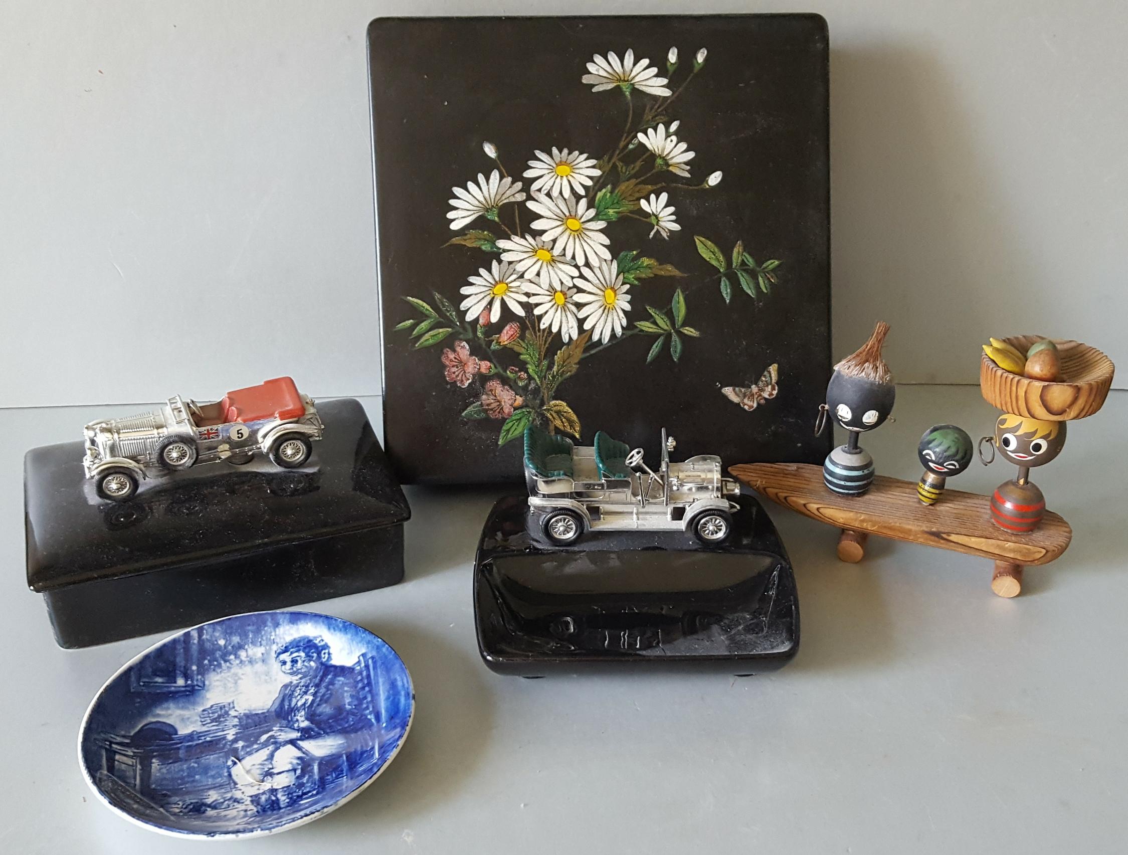 Lot 27 - Vintage Retro Parcel Items Includes Lesney Vehicles Ashtray etc Plus Box & Novelties NO RESERVE