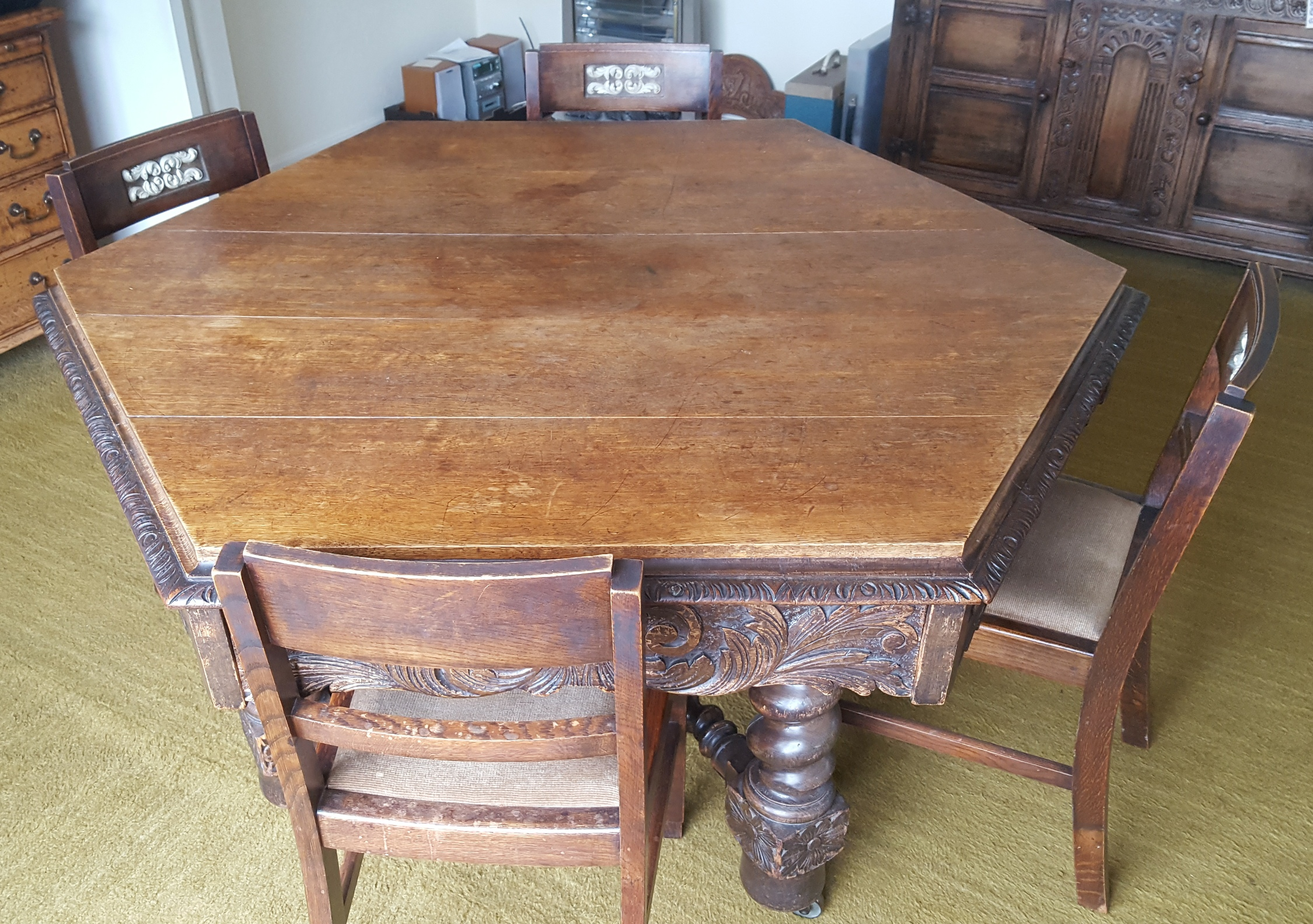 Lot 15 - Antique Vintage Victorian Hexagonal Oak Dining Table Bobbin Stretchers & Four Chairs