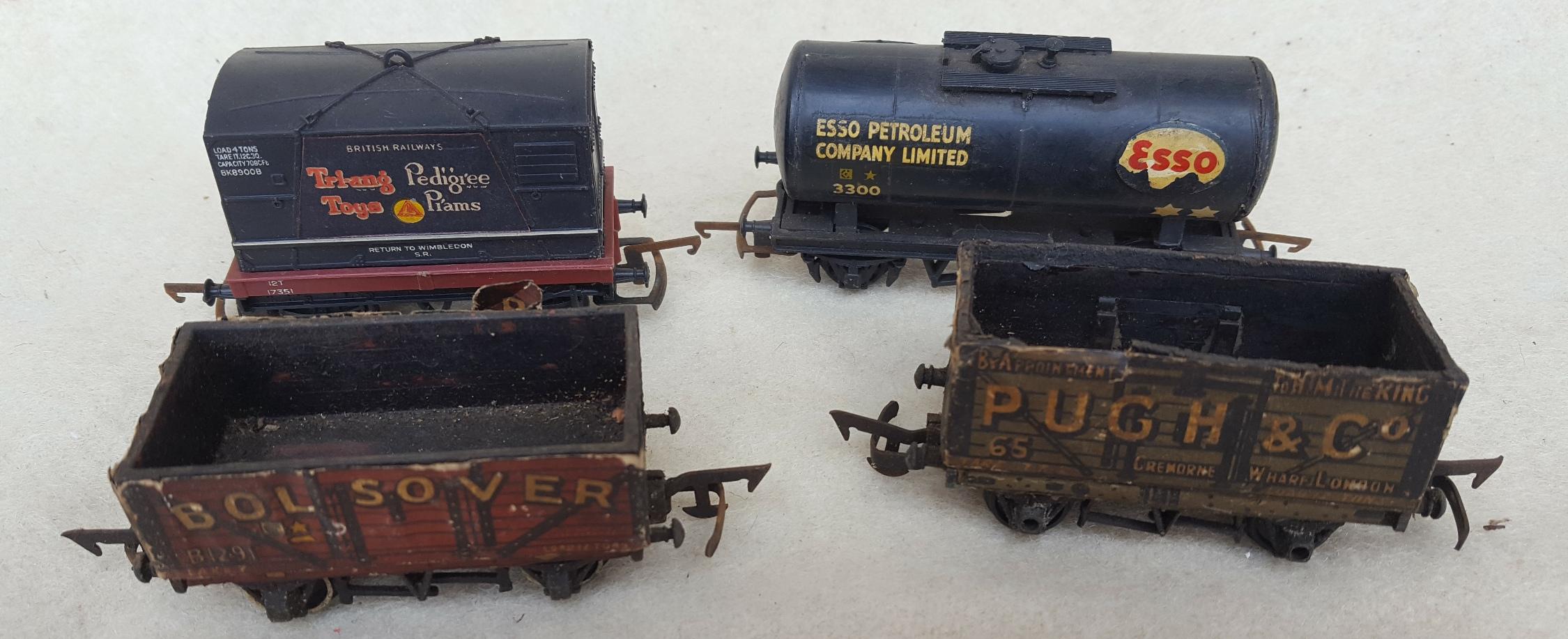 Lot 58 - Vintage Model Tri-Ang Trains Rolling Stock 00 Gauge NO RESERVE