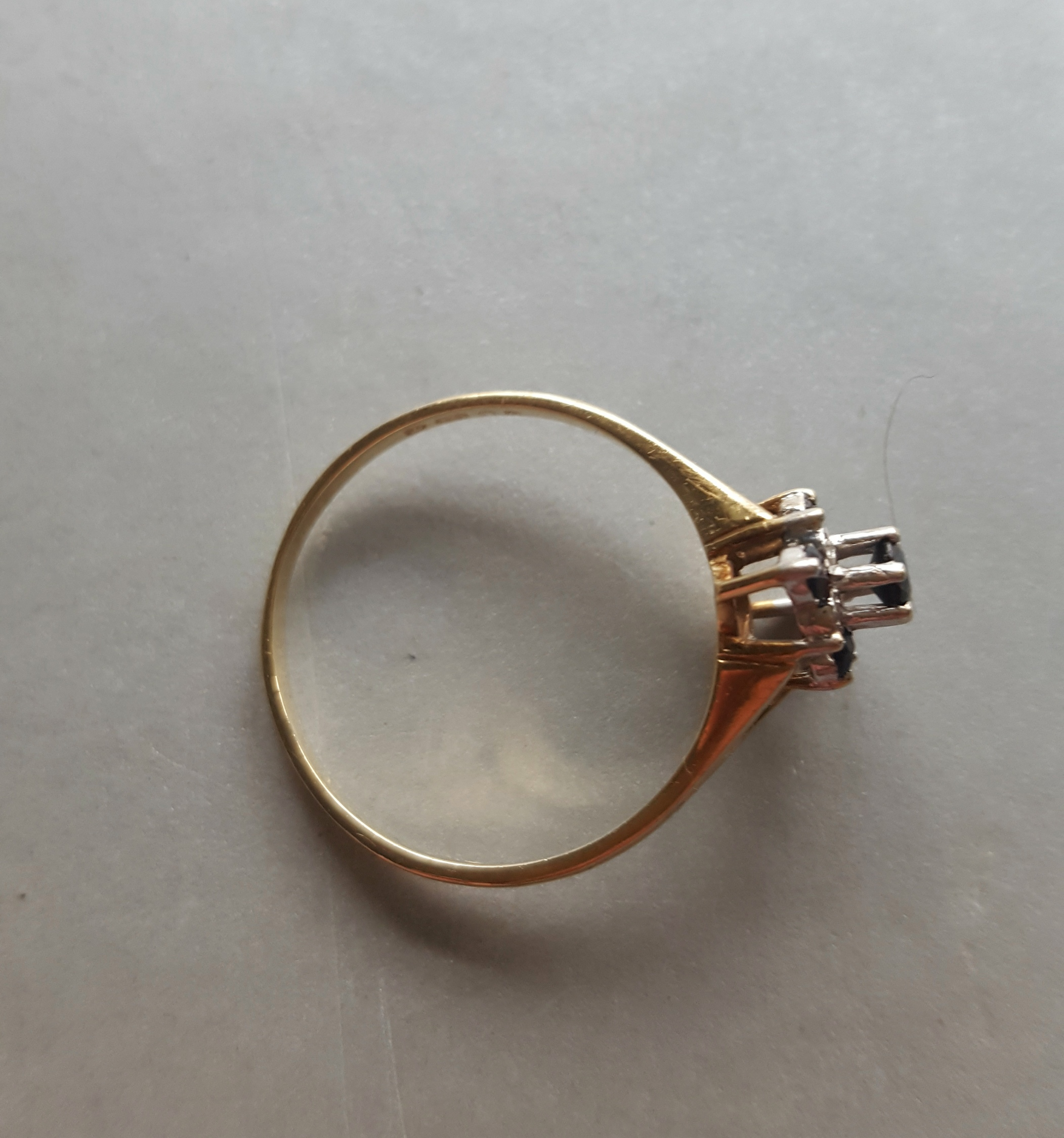 Lot 53 - Vintage 9ct Gold Sapphire & Diamond Ring Sheffield 1985 Size 'O'