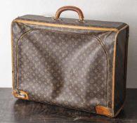 Louis Vuitton, Weichschalenkoffer, eine Seite mit Reißverschluss u. Zahlenschloss, Bespannung mit